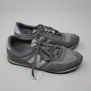 Womens New Balance Gray White Sneakers Size 9